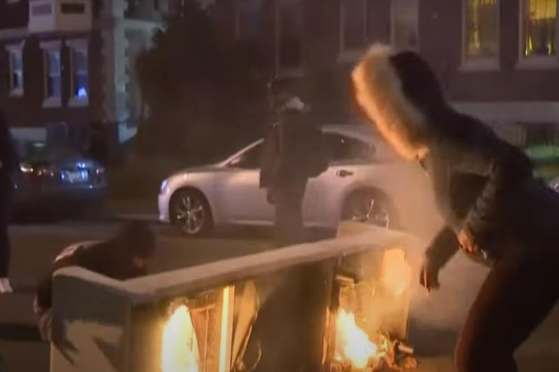 В Филадельфии вспыхнули беспорядки, погромы и грабежи