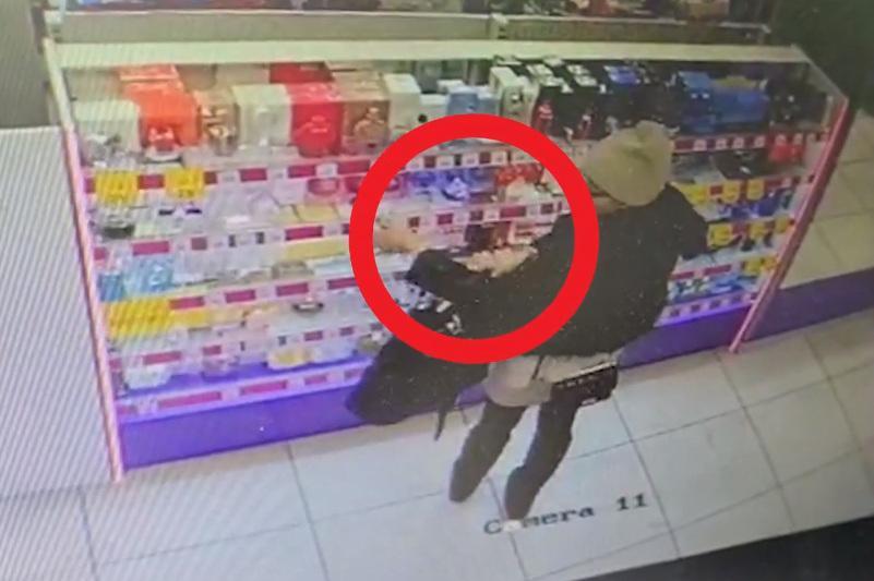 За хищение брендовых духов из магазина парфюмерии задержали молодую пару из Нур-Султана