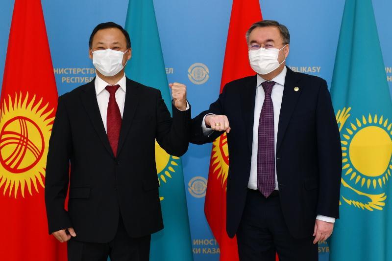 Қырғызстанның Сыртқы істер министрі Қазақстанға жұмыс сапарымен келді