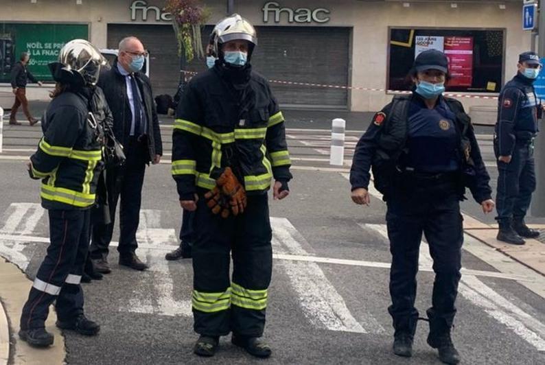 Неизвестный напал с ножом на людей в Ницце: трое убиты