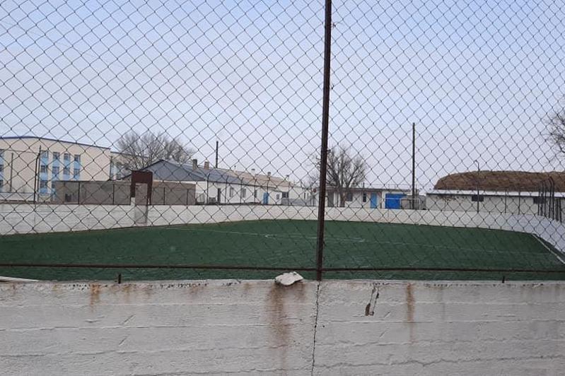 В Карагандинской области сельчане открыли борцовский зал и хоккейный корт