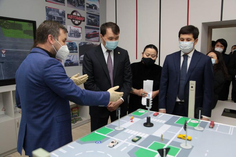 Алик Шпекбаев ознакомился с ходом цифровизации предприятий Павлодарской области