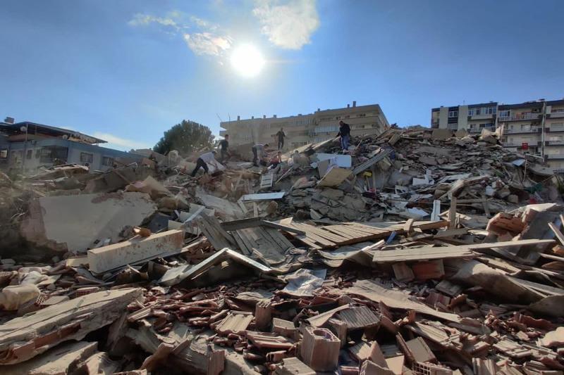 В результате землетрясения в Турции погибли 4 человека, 120 ранены
