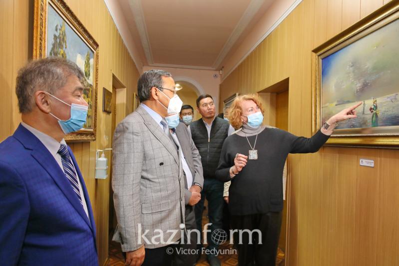 ҚазАТУ-да танымал қазақстандық суретшілердің сурет галереясы ашылды
