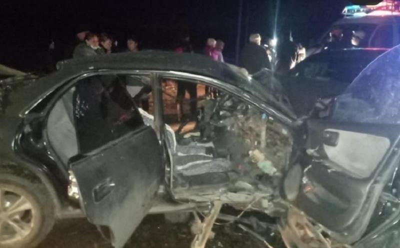 Двух женщин из искореженного автомобиля извлекли спасатели в ВКО