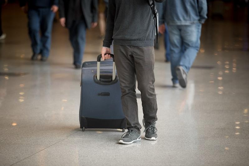 东哈州49名旅客因未携带新冠检测报告被拒绝登机