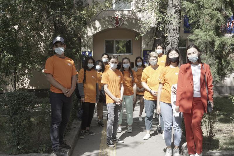 «Birgemiz: Úmit»: Almatylyq volonterler qandaı jumystar júrgizip jatyr