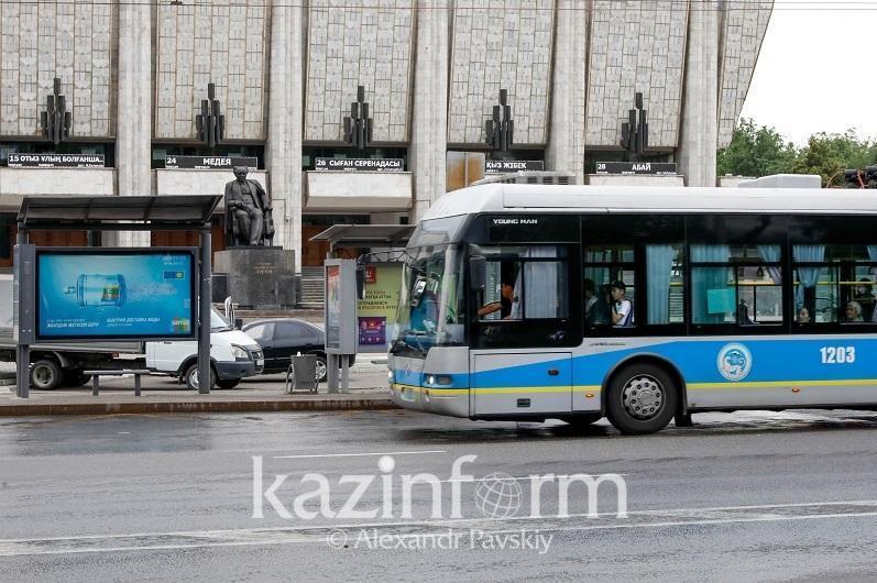 Из-за аварии в Алматы встали троллейбусы