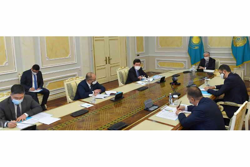 Глава государства провел совещание по мерам противодействия распространению коронавируса