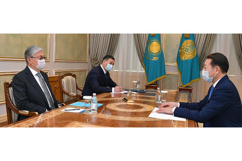 托卡耶夫总统会见亚信会议秘书处执行主任