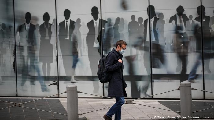 比利时首都将延长宵禁措施至12月中旬