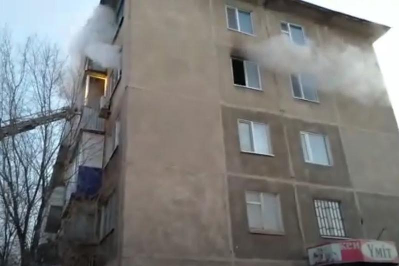 Пожар произошел в многоэтажке Актобе: один человек скончался