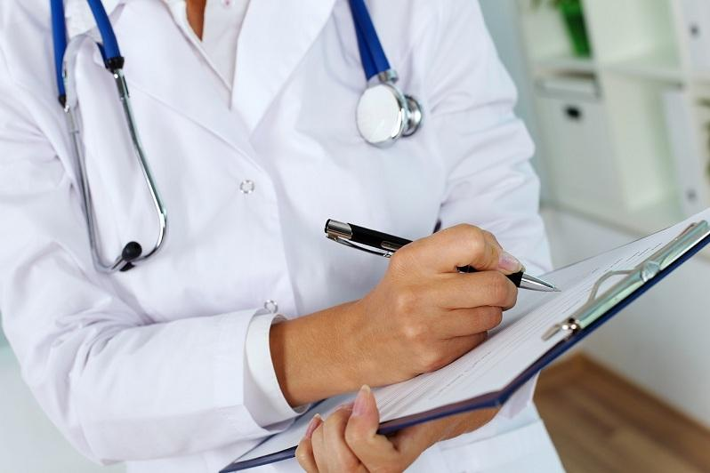 Казахстанский врач ответила на предположения доктора Комаровского о коронавирусной пневмонии в РК