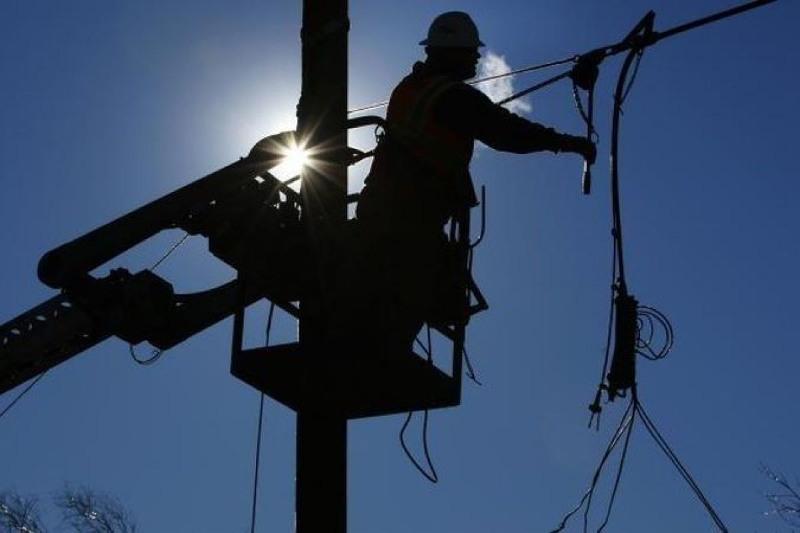 В шести областях и двух городах Казахстана отключили электричество