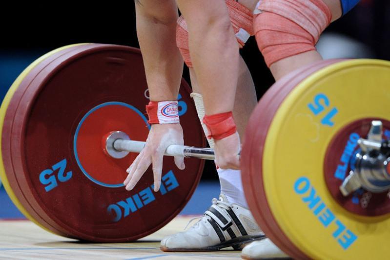 Более 350 спортсменов со всей страны участвуют в Чемпионате РК по тяжелой атлетике
