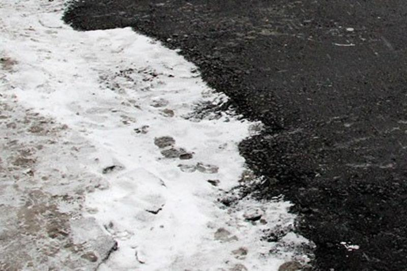 На укладку асфальта поверх снега пожаловались кызылординцы победителю праймериз «Nur Otan»