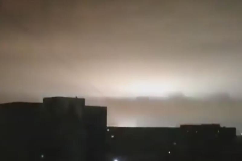 Яркая вспышка в небе напугала жителей Семея