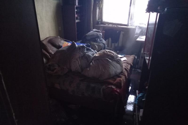 Павлодарда өртенген пәтерден 62 жастағы ер адамның мәйіті табылды