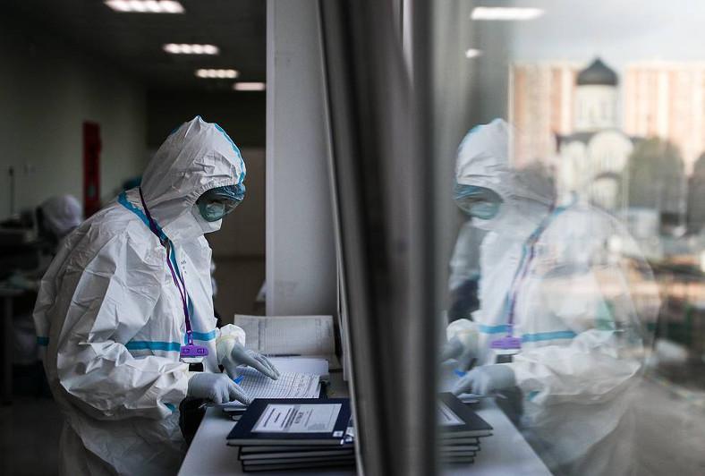 俄罗斯单日新增新冠肺炎确诊病例首次超2.5万例