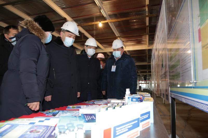 Е.Тугжанов ознакомился с ходом строительства завода по выпуску отечественной вакцины против COVID-19