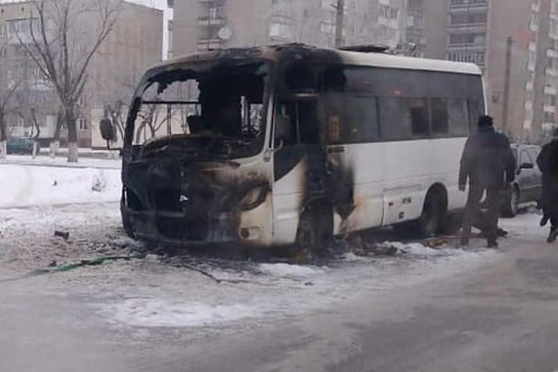 Петропавлда қала көшесінде автобус өртенді