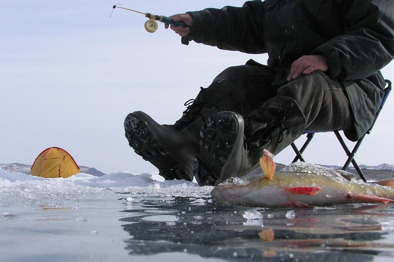 Случаи гибели рыбаков на водоемах участились в Казахстане - МЧС