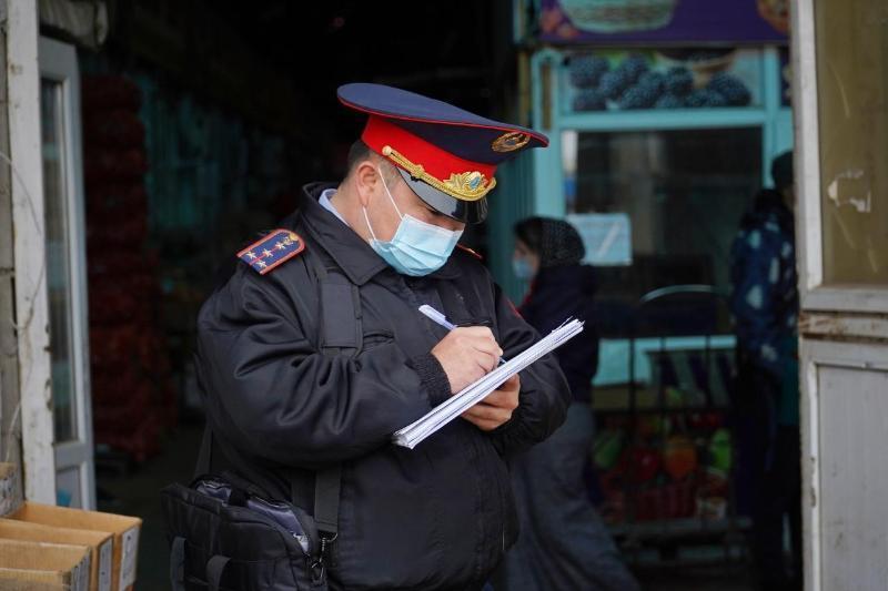 Рейды по местам торговли форменным обмундированием проводит полиция Алматы