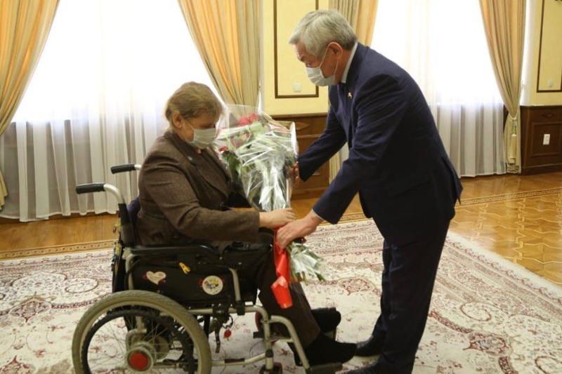 Зульфия Габидуллина получила поздравление с юбилеем от имени Президента РК