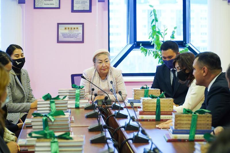 Десять колледжей получили книги в рамках проекта «Сакральный Казахстан»