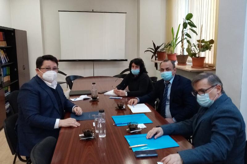 哈萨克斯坦大使会见罗马尼亚策略和预测委员会主席