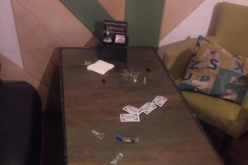 В Павлодаре администрация кальянной спрятала посетителей в подсобках и туалетах