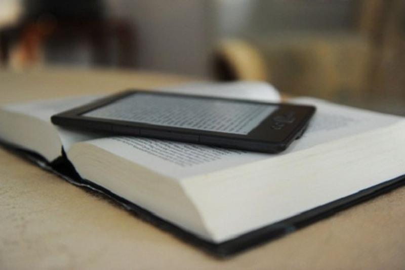 Сенатор предлагает установить плату за скачивание электронных версий книг