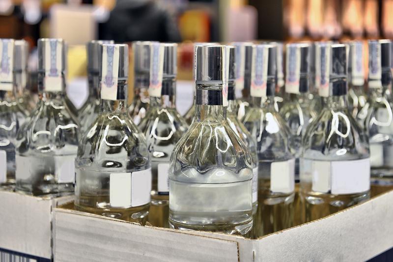 В Казахстане ликвидировано 25 цехов по производству нелегального алкоголя