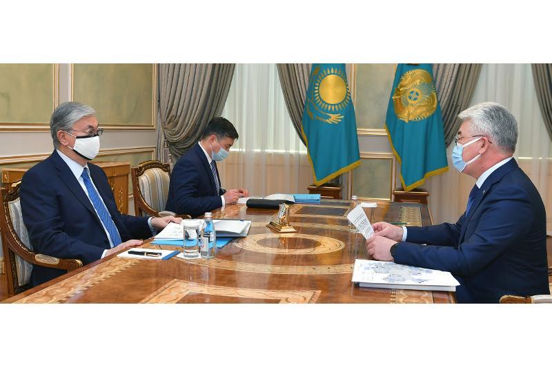 托卡耶夫总统接见工基发展部长
