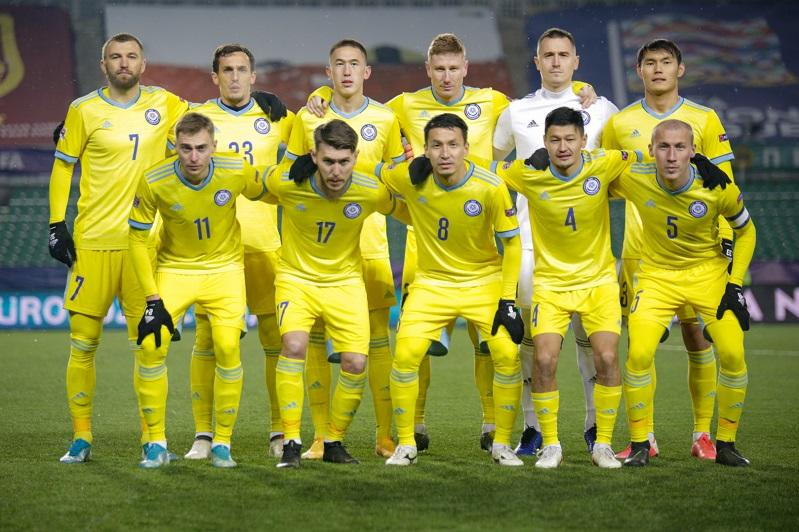 Сборная Казахстана ухудшила свое положение в рейтинге ФИФА