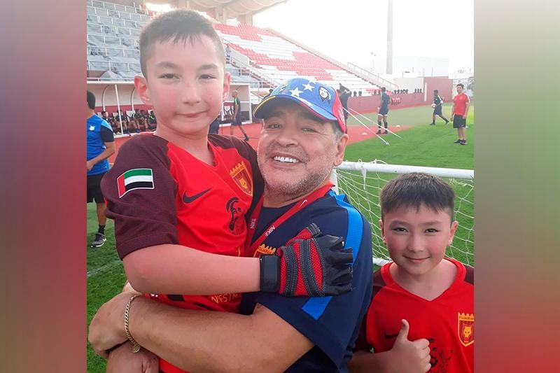 У Марадоны было большое доброе сердце чемпиона - казахстанский мальчик о встрече с легендой