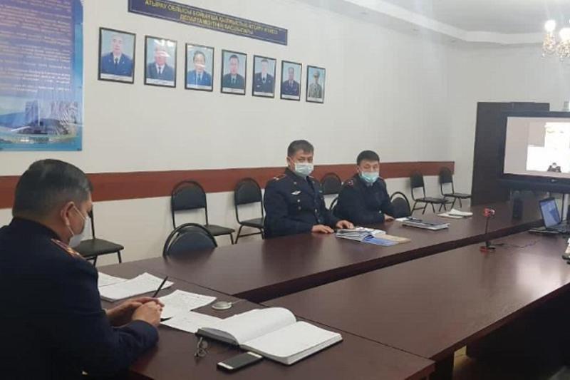 На вопросы родственников осужденных ответил начальник ДУИС Атырауской области
