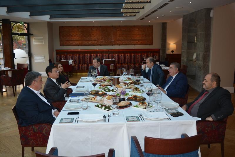 Посол РК в Армении встретился с руководителями ведущих армянских СМИ