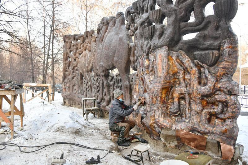 Almatyda «Túıeler» dekoratıvti pannosy bastapqy qalpyna keltiriledi