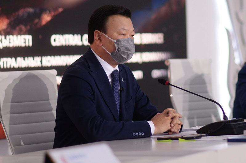 Министр Жаңа жыл мерекесін отбасы мүшелерімен ғана атап өтуге кеңес берді
