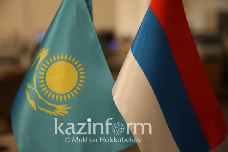 哈俄划界委员会会议在萨马拉举行