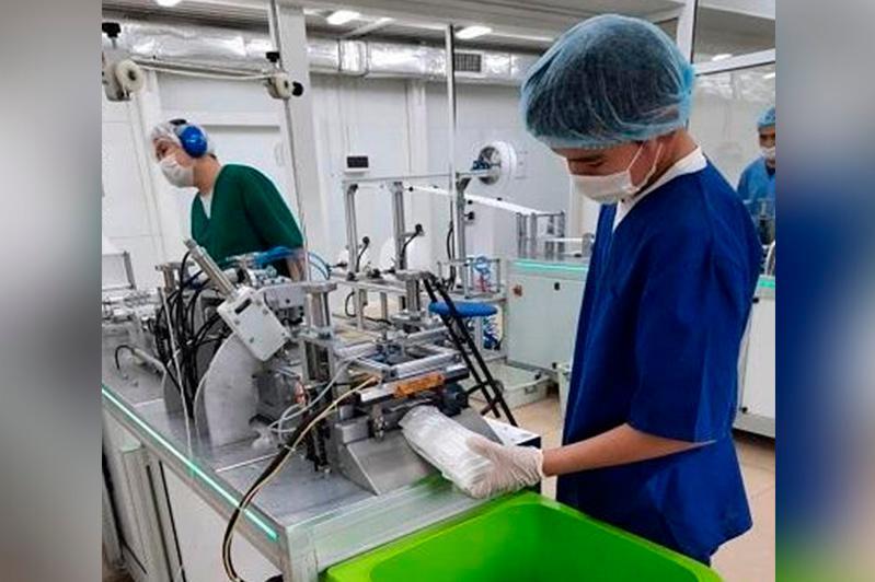Производство по пошиву 30 млн медицинских масок в год запустили в Атырау