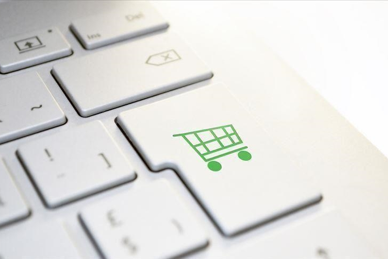 US: Online sales on Thanksgiving Day hit record $5.1B