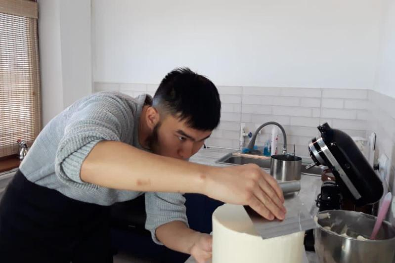 27 жастағы Жаңаөзен тұрғыны тапсырыспен торт пісіріп, табыс тауып жүр
