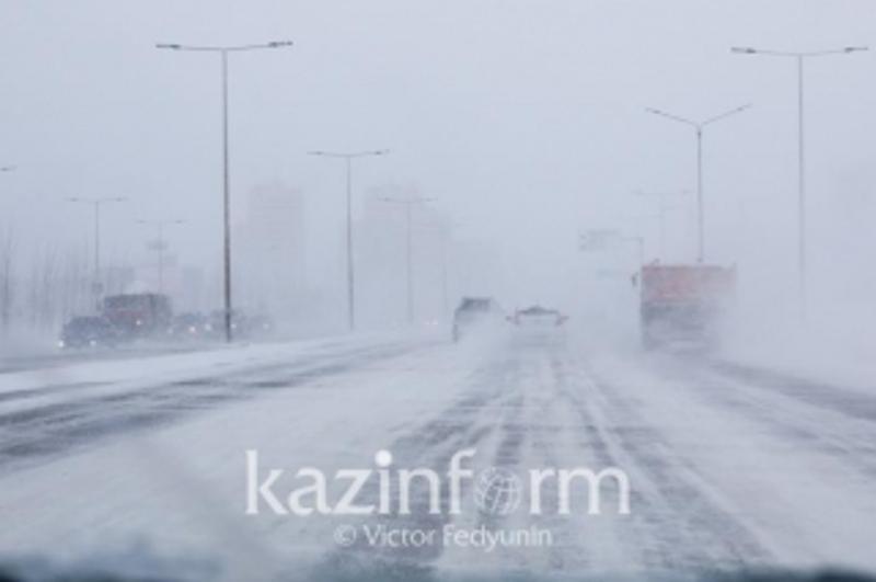 В Карагандинской области ограничено движение на участке трассы Екатеринбург - Алматы