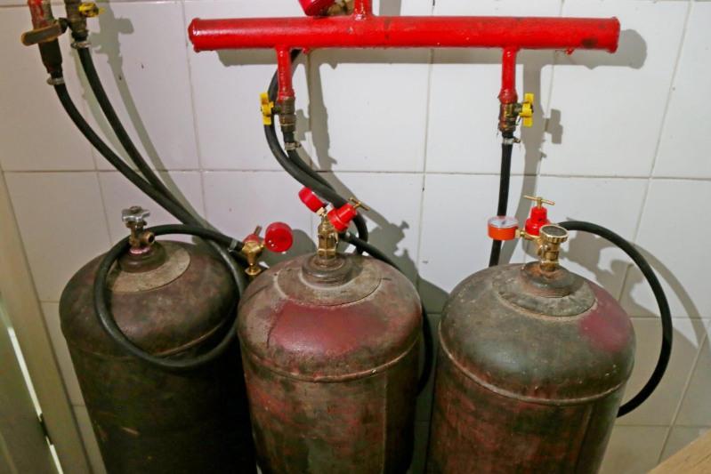 В Нур-Султане спецкомиссия проверяет кафе, использующие газовые баллоны