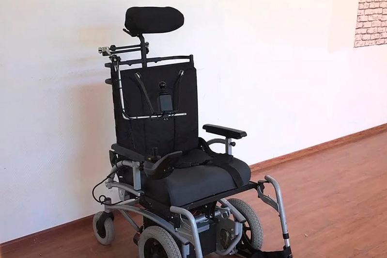 Креслами-колясками с электроприводом обеспечивают инвалидов Казахстана