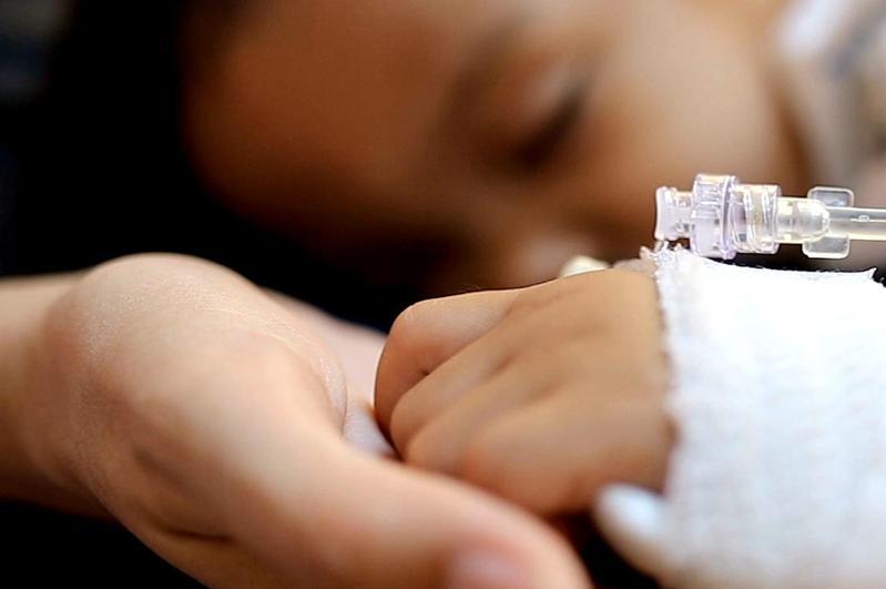 Какие признаки должны насторожить родителей при синдроме Кавасаки у ребенка