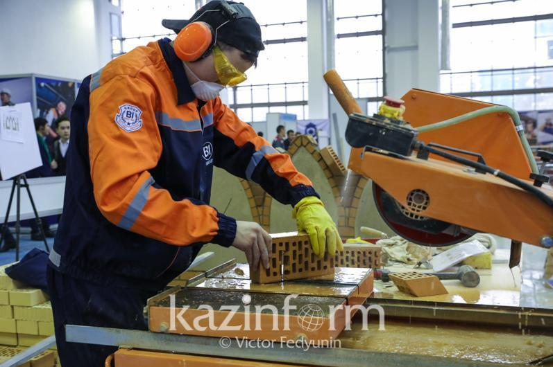 Востребованные рабочие специальности ежегодно получают около 2,8 тысячи осужденных в РК