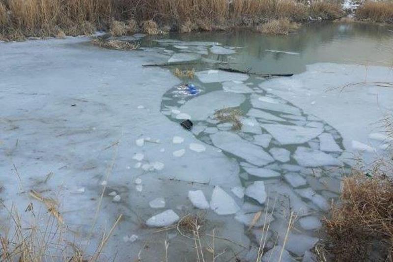Жамбыл облысында мұз астына түсіп кеткен екі бала мерт болды